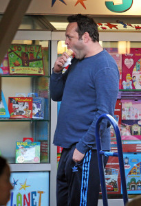 Vince Vaughn chowing down on an ice cream cone