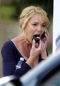 Katherine Heigl eats a Ho-Ho