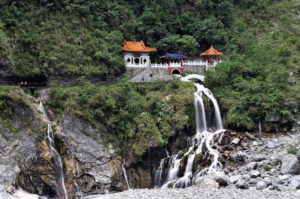 Taiwan-Taroko-National-Park-Changchun-Eternal-Spring-Shrine