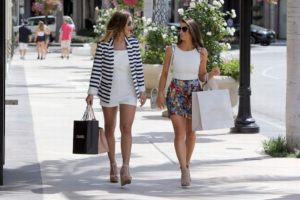 Sam-Faiers-Luisa-Zissman-shopping-in-Beverly-Hills