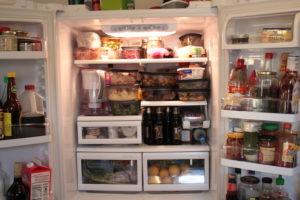 stuffed-fridge-christmas