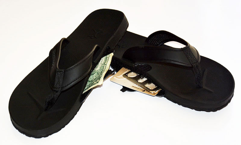 slot-flops-for-men-in-black-stash-flip-flops-weird-gift-guide