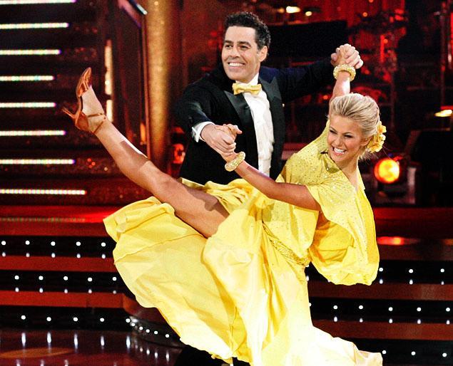 Julianne Hough Dancing