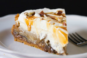 Carmel Apple Cheesecake Pie